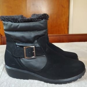 Rugged outback winter boots